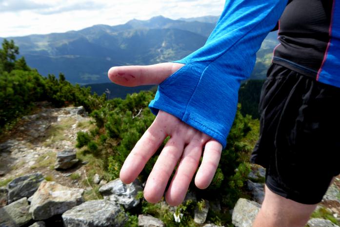 Rękawy z otworami na kciuki