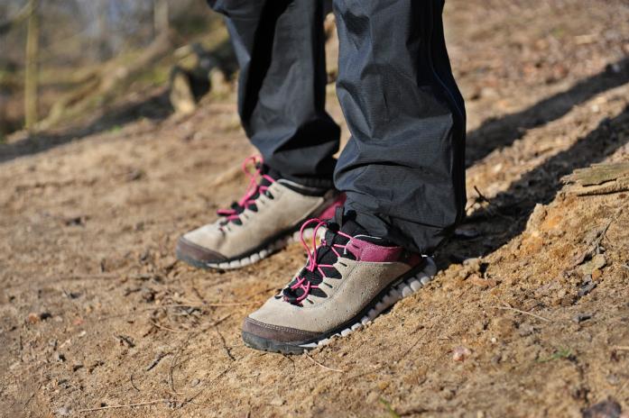 9425b63fcd3d34 W butach AKU Climatica Suede GTX uwagę przykuwa kolorystyka i perfekcyjna  wręcz jakość wykonania. Cholewka – wykonana z zamszowej skóry o grubości  1,8 mm ...